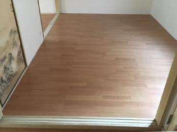 がっちりした床で、綺麗に明るくなって嬉しいです!!